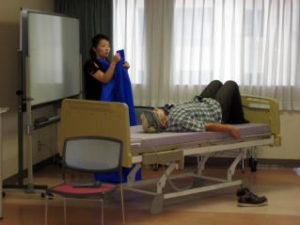 介護従事者の為の腰痛予防研修・ノーリフトを考える